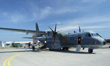 Armádní dopravní letadlo CASA. (commons.wikimedia.org/CC BY-SA 3.0)