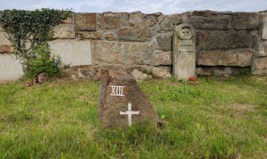 Hřbitov ve Fukově. (Foto: Robert Malecký, HlídacíPes.org (se svolením autora))