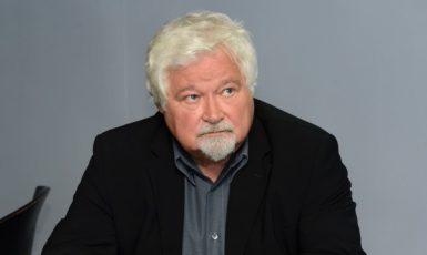 Bývalý předseda a místopředseda Senátu Petr Pithart byl 25. srpna v Praze hostem diskusního pořadu České televize Otázky Václava Moravce. (ČTK)