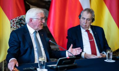 Miloš Zeman přivítal v srpnu 2021 v Praze německého prezidenta Franka-Waltera Steinmeiera (ČTK/DPA/Bernd von Jutrczenka)
