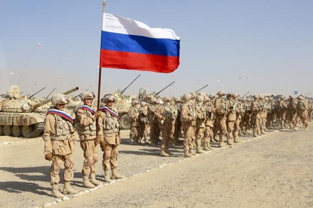 Společné vojenské cvičení Ruska, Tádžikistánu a Uzbekistánu poblíž afghánských hranic (10. 8. 2021) (ČTK/AP/Didor Sadulloev)