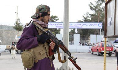 Bojovník Tálibánu v Kábulu. Ilustrační foto (ČTK/AP/Khwaja Tawfiq Sediqi)