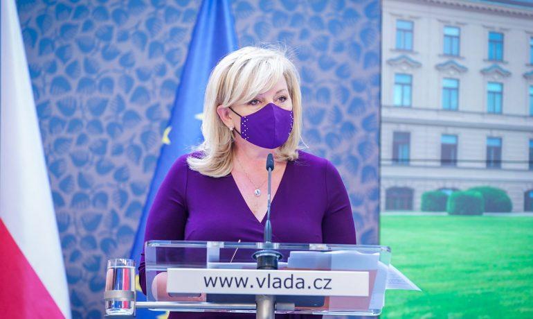 Ministryně financí Alena Schillerová (za ANO) (Úřad vlády)