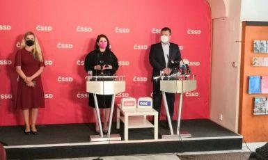 Kateřina Valachová, Jana Maláčová a Jan Hamáček (ČSSD / se svolením autora)