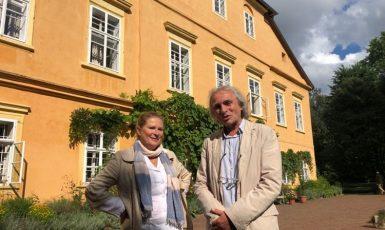 Autor textu písně Václav Macháček Rieger se svojí ženou na zámku Maleč. (zdroj: Pavel Šafr / se svolením autora) (Pavel Šafr / se svolením autora)