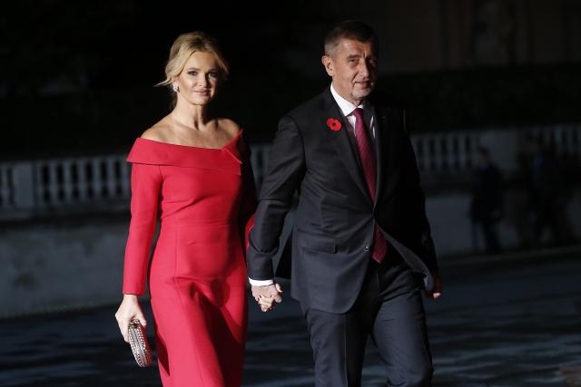 Manželé Babišovi mají Francii opravdu rádi – Andrej a Monika v Paříži (2018) (ČTK/AP/Kamil Zihnioglu)